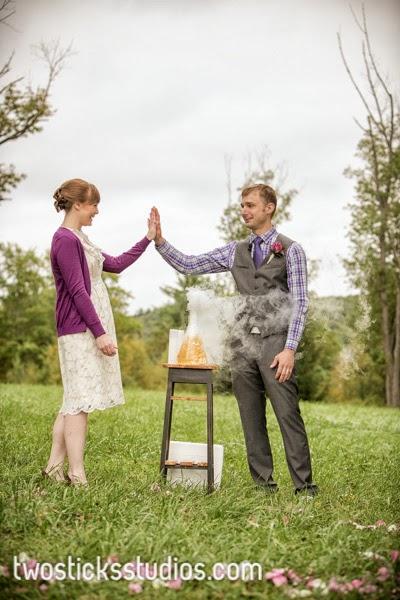 Weddinghighfivesciencerocks.AlisaTonggCelebrantTwoSticksStudio