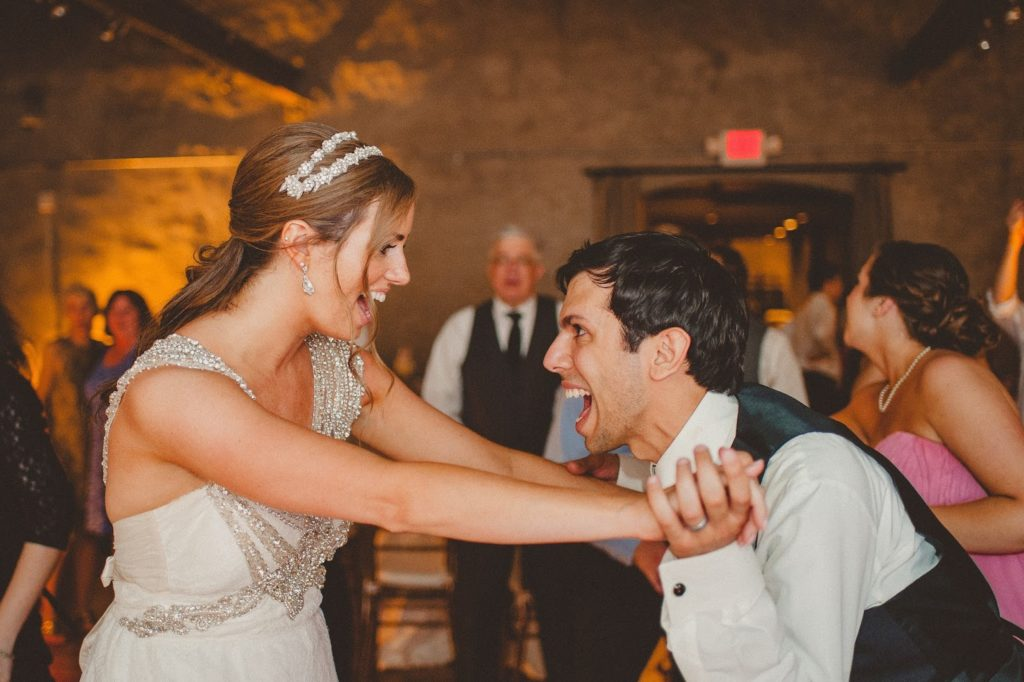 ashley and jon on the dance floor alisa tongg celebrant front palmer wedding pat robinson photography