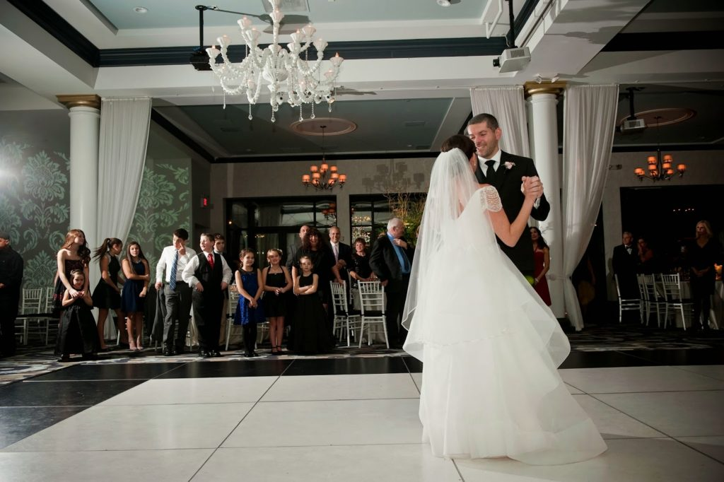 carly branden first dance kids watching vie wedding alisa tongg celebrant heather fowler photography 1