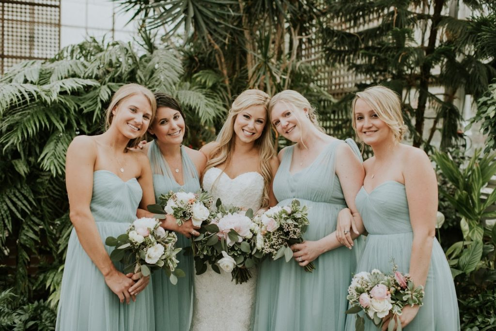 colleen with bridesmaids alisa tongg celebrant horticultural center wedding m2 photography