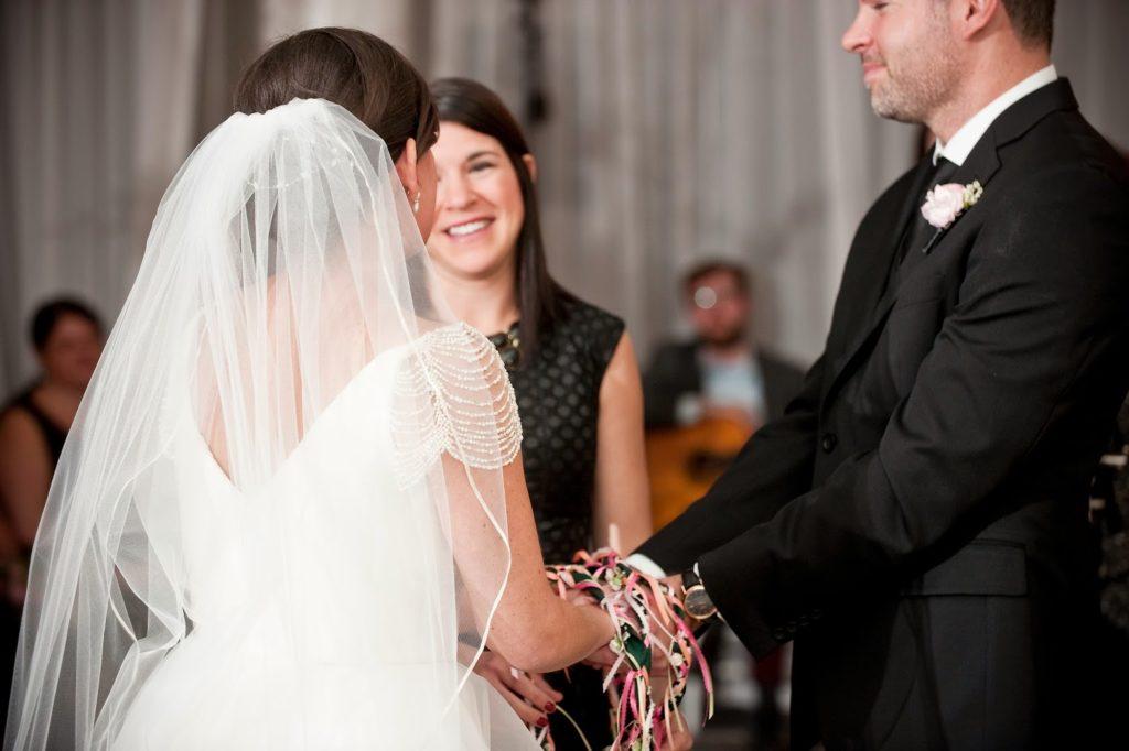 family handfasting vie wedding ceremony alisa tongg celebrant heather fowler photography