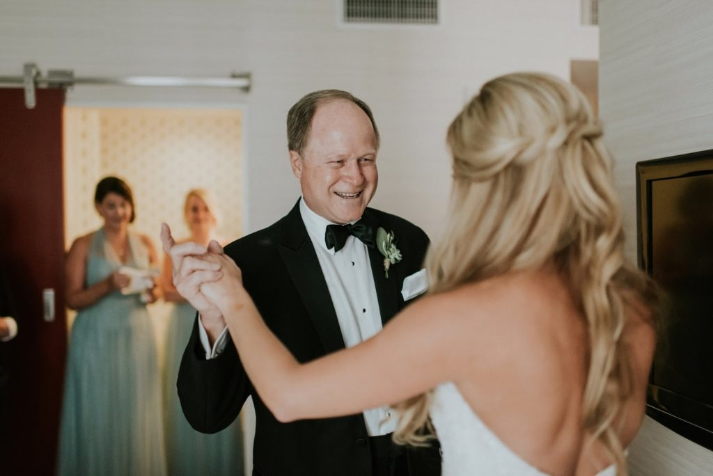 first look with dad alisa tongg celebrant horticultural center wedding m2 photography