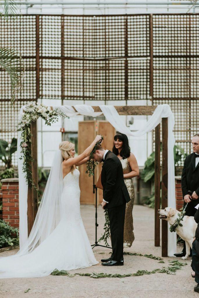 garland exchange alisa tongg celebrant horticultural center wedding m2 photography