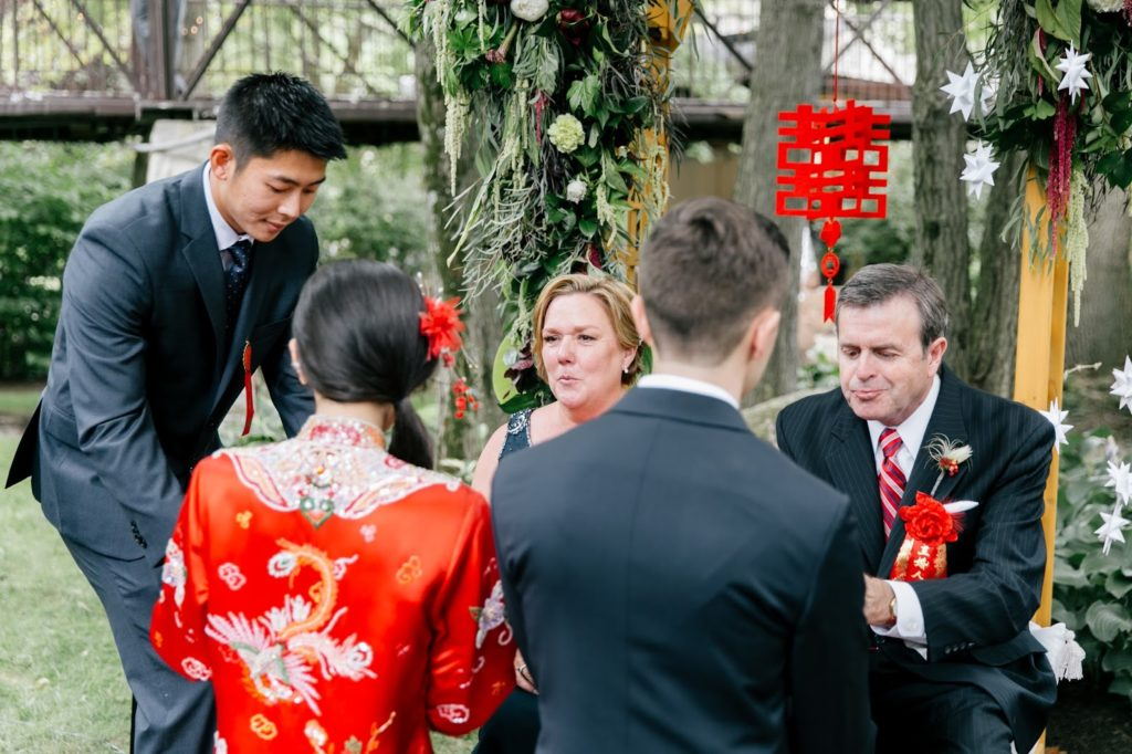 grooms parents served at chinese tea ceremony alisa tongg celebrant emily wren photography