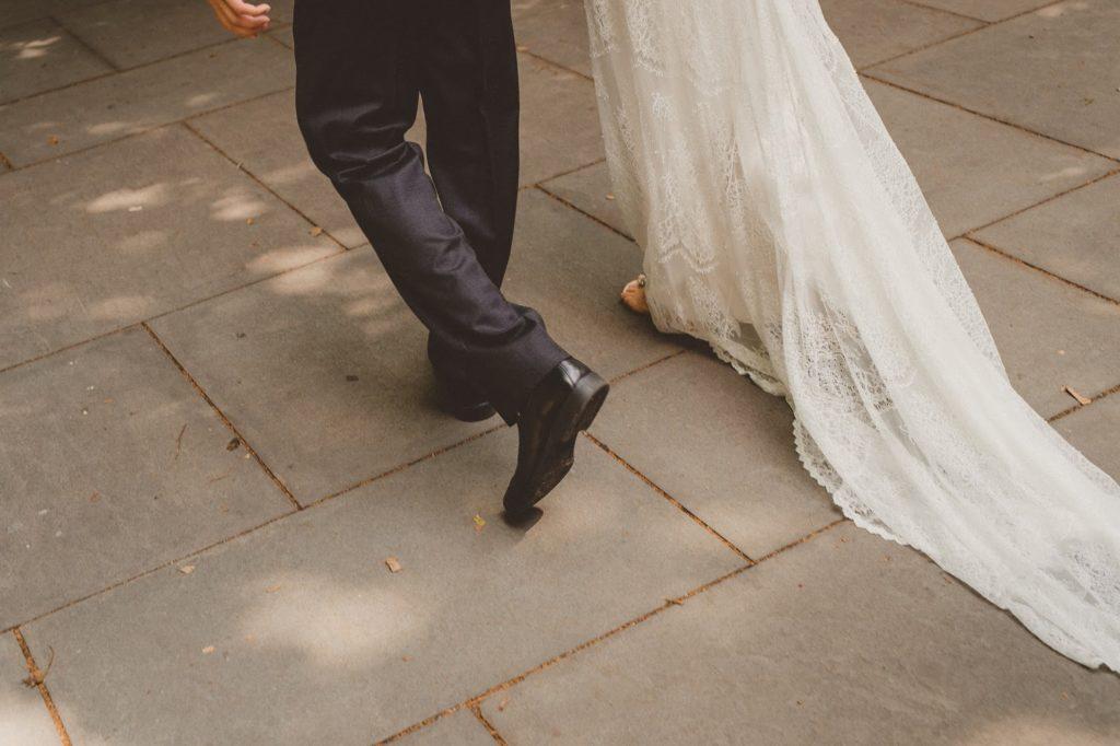 lets run away together...alisa tongg celebrant front palmer wedding pat robinson photography