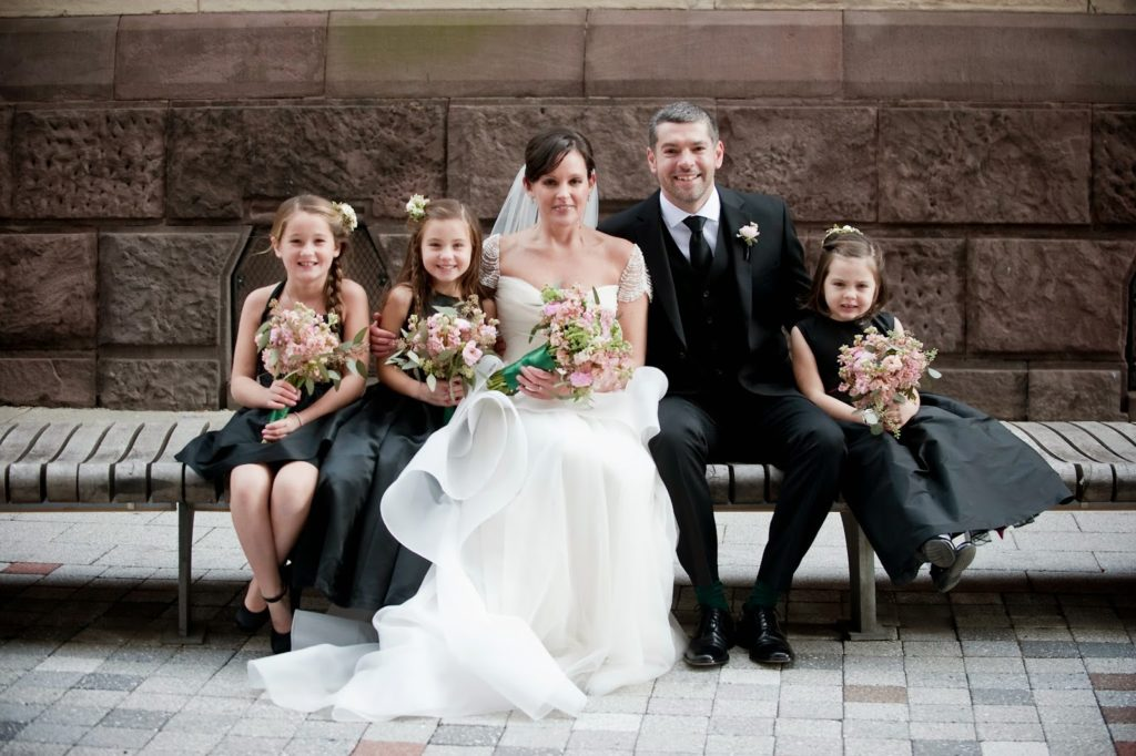 newlyweds with the neices alisa tongg celebrant heather fowler photography