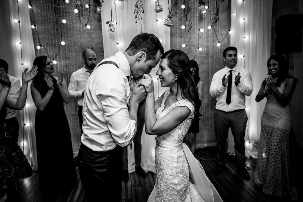 so many kisses alisa tongg celebrant front palmer werth photography